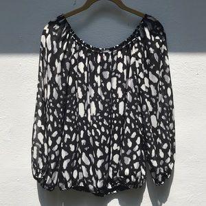 VINCE CAMUTO// off the shoulder blouse